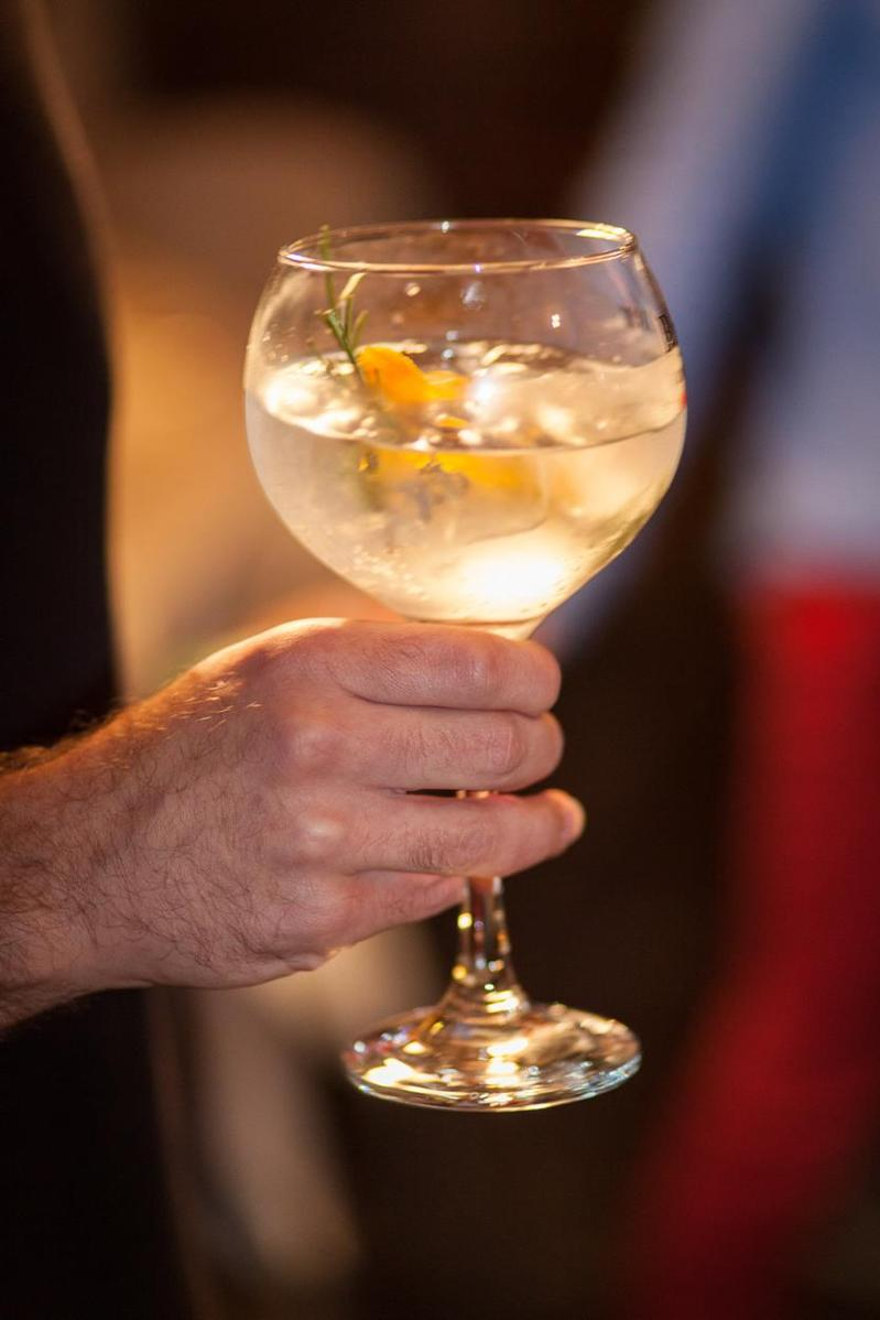 GIN'EVER WORKSHOP ECCO LA LUNA - Referenties